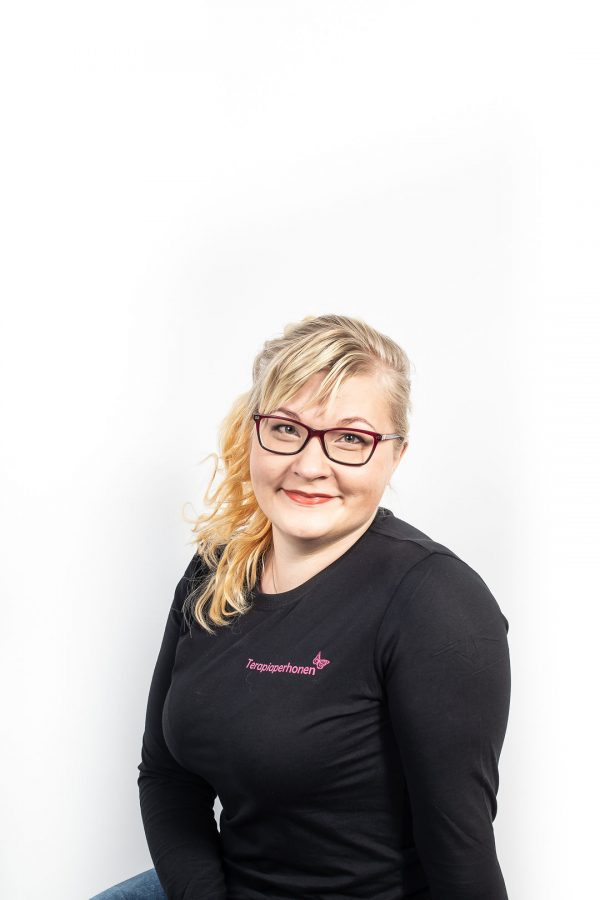 Toimintaterapeutti työnohjaaja Mari Tynkkynen Terapiaperhonen